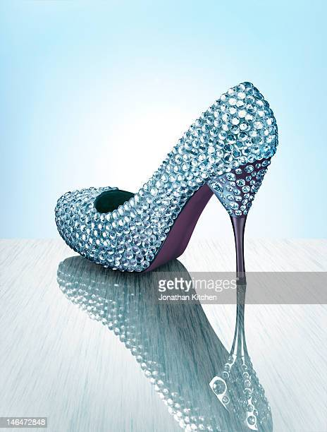 sparkling luxury shoe - high heels stock pictures, royalty-free photos & images