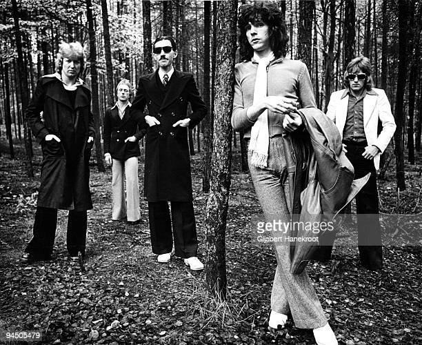 """Sparks posed in Hilversum, Netherlands in 1974 L-R Norman """"Dinky"""" Diamond, Adrian Fisher, Ron Mael, Russell Mael, Martin Gordon"""