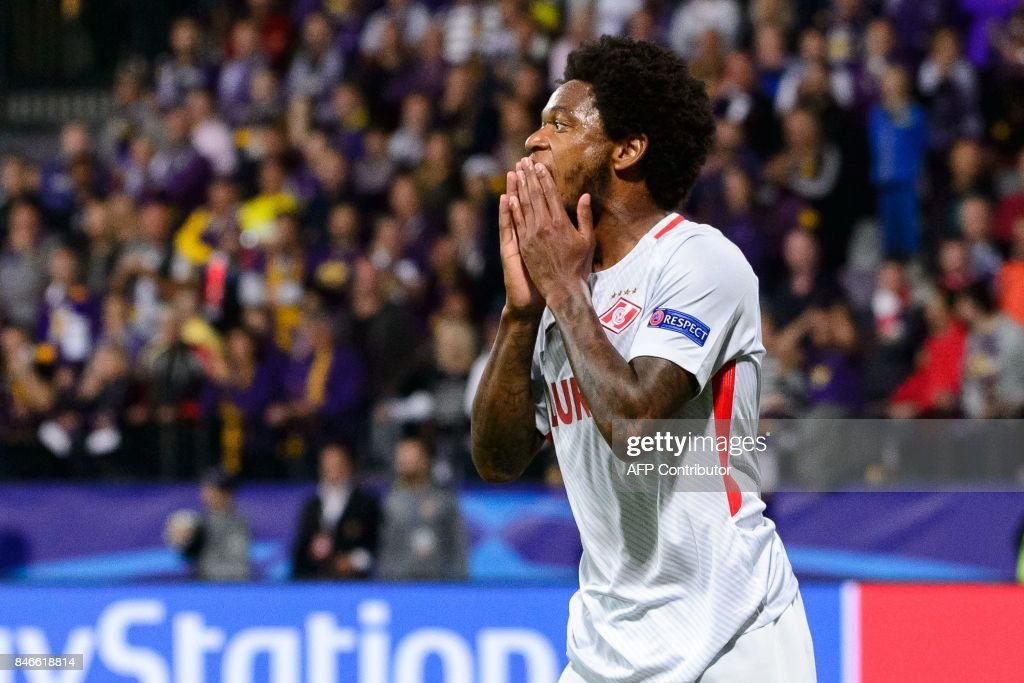 Spartak Moscow's Brazilian forward Luiz Adriano reacts during the UEFA Champions League Group E football match between NK Maribor and FC Spartak Moscow at The Stadium Ljudski vrt in Maribor on September 13, 2017. / AFP PHOTO / Jure Makovec