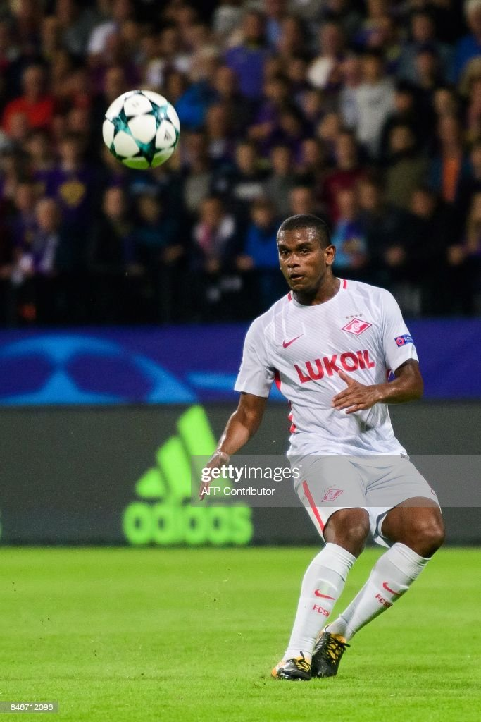 Spartak Moscow's Brazilian midfielder Fernando looks at the ball during the UEFA Champions League Group E match between NK Maribor and FC Spartak Moscow at the Stadium Ljudski vrt in Maribor, Slovenia on September 13, 2017. / AFP PHOTO / Jure Makovec
