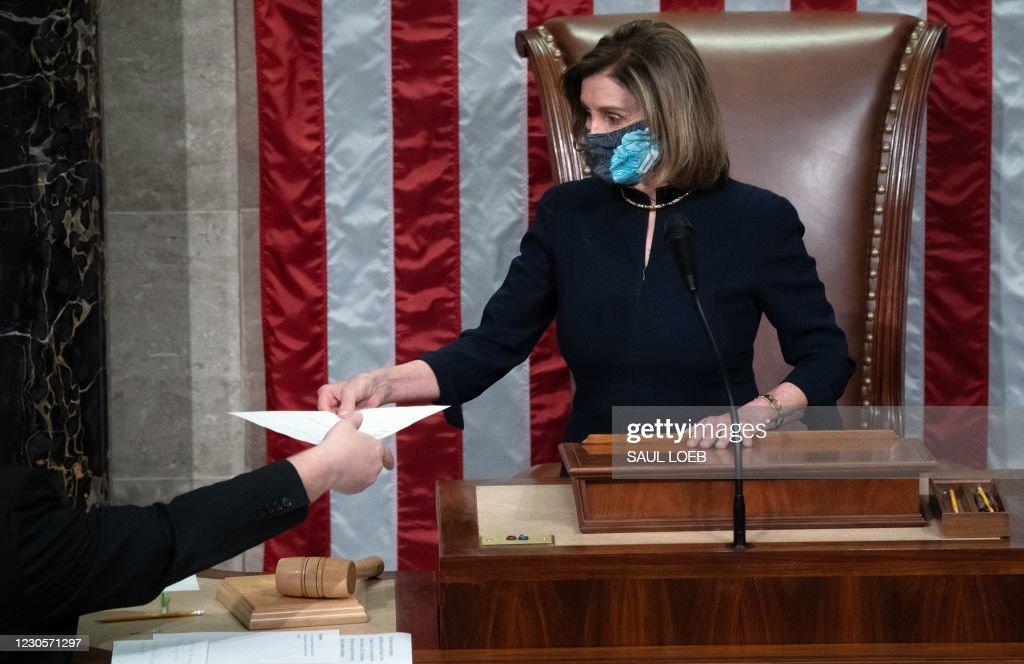 US-POLITICS-CONGRESS-IMPEACHMENT-VOTE : News Photo