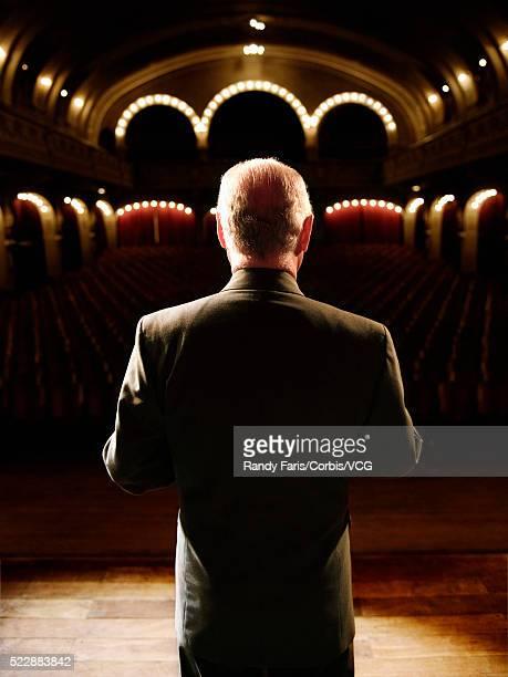 speaker on stage - あがり症 ストックフォトと画像