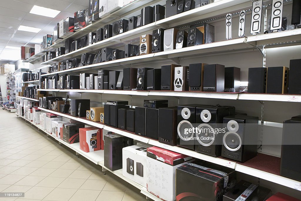 Speakers On Display In An Electronics Store High-Res Stock Photo - Getty Images