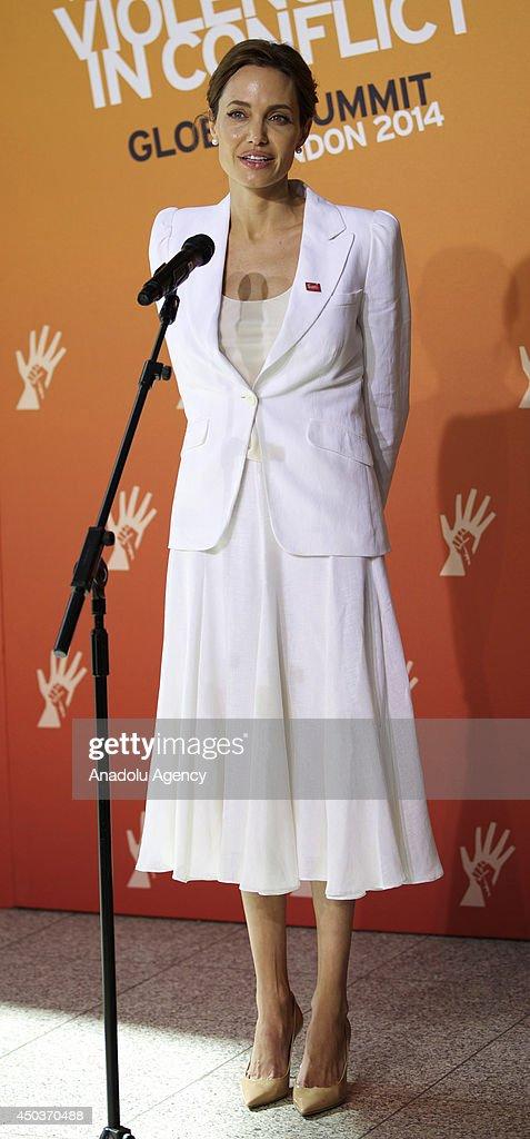 Angelina Jolie in London : News Photo