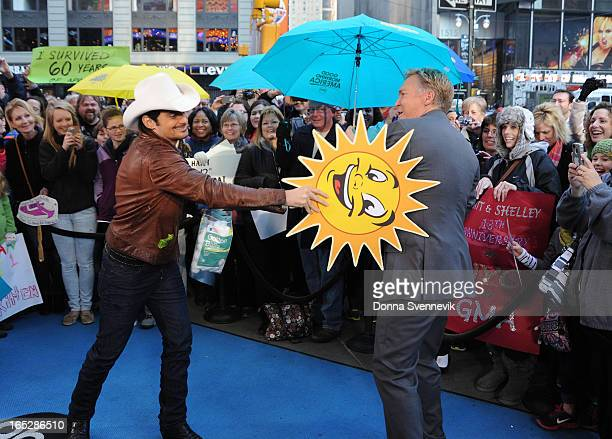 AMERICA Special guest Brad Paisley tries to give a weather forecast on GOOD MORNING AMERICA 4/1/13 airing on the ABC Television Network BRAD