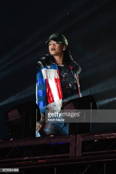 Special guest performer singersongwriter Rihanna performs onstage with Calvin Harris during day 3 of the 2016 Coachella Valley Music And Arts...