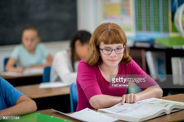 special needs students - blindness stock pictures, royalty-free photos & images