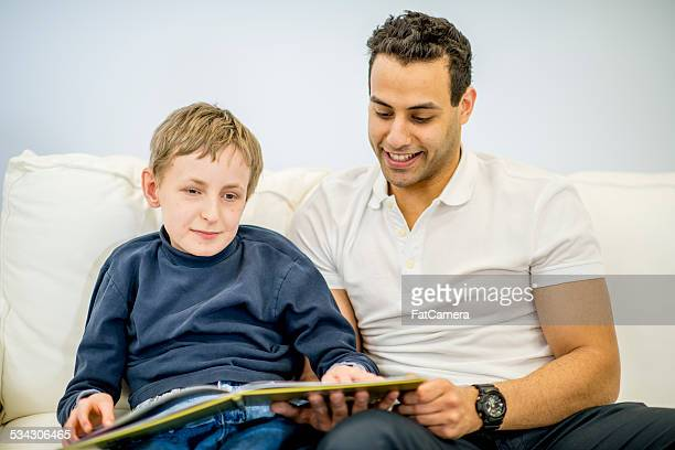 special needs with volunteer - braille stock pictures, royalty-free photos & images