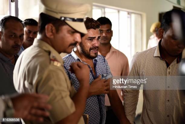 Special South East Police arrest a Robin Hood burglar Irfan aka Ujjala on July 17, 2017 in New Delhi, India. Irfan was caught from Bihar's Pupri...