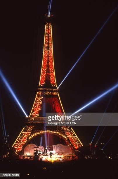 Spectacle pour le 100e anniversaire de la Tour Eiffel 17 juin 1989 à Paris France
