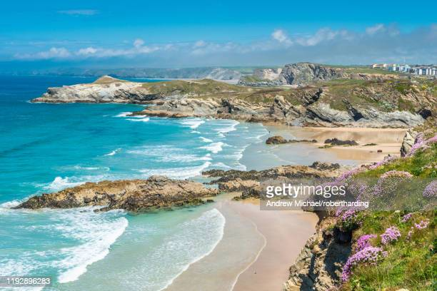 spectacular clifftop coastal scenery at newquay in west cornwall, england, united kingdom, europe - newquay stock pictures, royalty-free photos & images