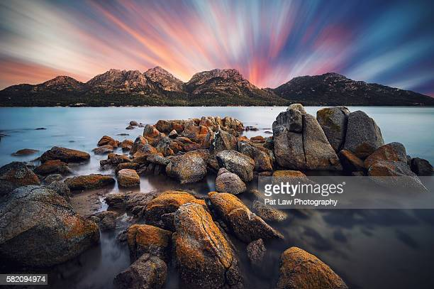 spectacular views of hazard mountains, tasmania - hobart tasmania stock pictures, royalty-free photos & images