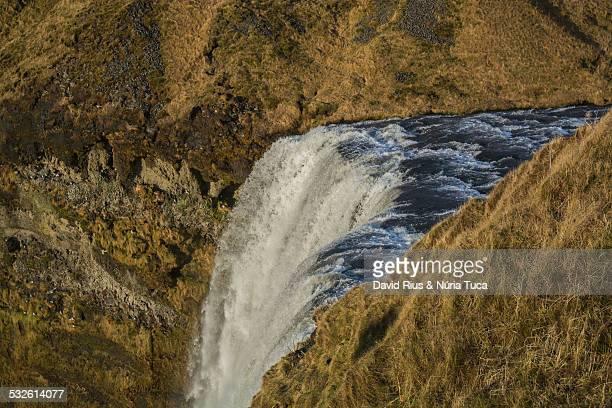 spectacular waterfalls - fimmvorduhals volcano stockfoto's en -beelden