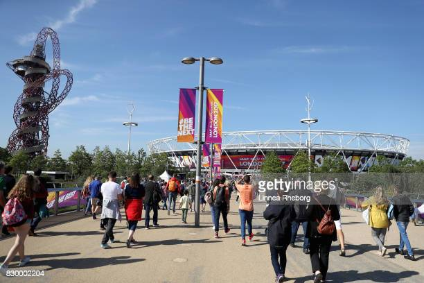 Spectators arrive at the Olympic Park during day eight of the 16th IAAF World Athletics Championships London 2017 at The London Stadium on August 11,...