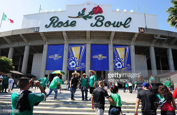 Spectators arrive at the Rose Bowl for the CONCACAF 2011 Gold Cup final June 25 2011 at the Rose Bowl in Pasadena California Mexico defeated USA 42...