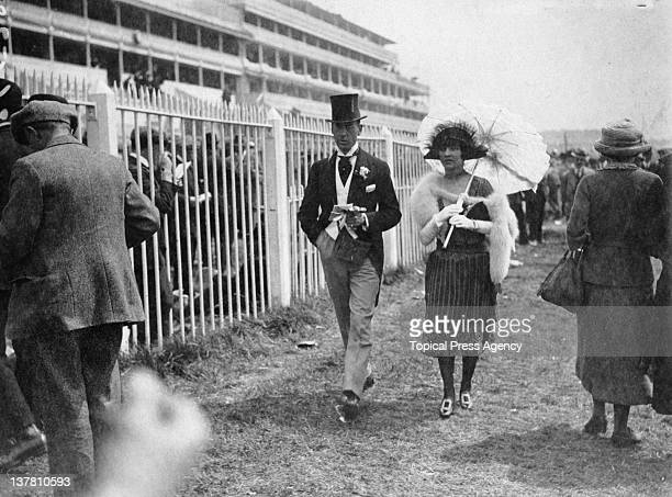 Spectators at the Epsom Derby in Surrey 1921