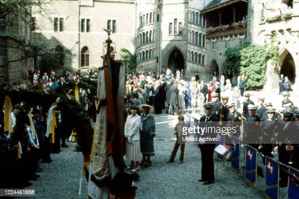 Spectators at the wedding of heir to the throne Ernst August von Hanover with Chantal Hochuli at Marienburg castle near Hanover Germany 1981