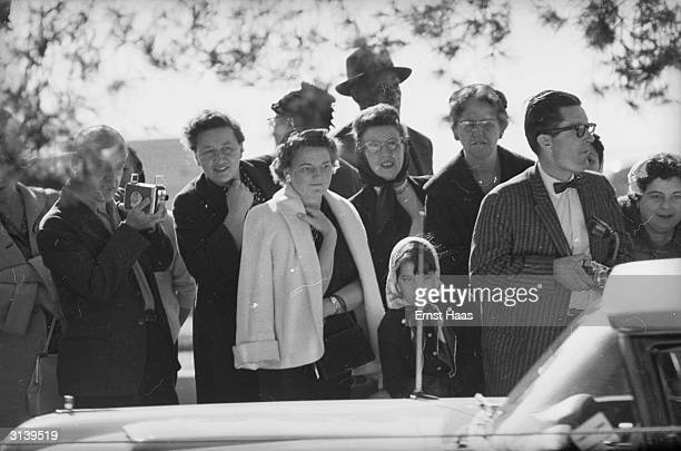 Spectators attend the funeral of American film actor Clark Gable at the Forest Lawn Cemetery in Los Angeles California