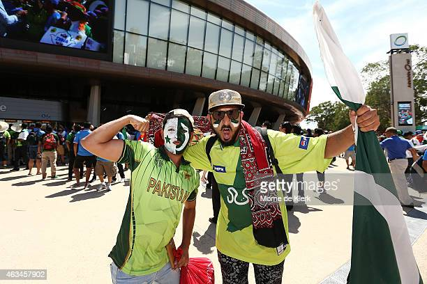 Spectators enjoy the atmosphere before the start of the 2015 ICC Cricket World Cup match between India and Pakistan at Adelaide Oval on February 15...