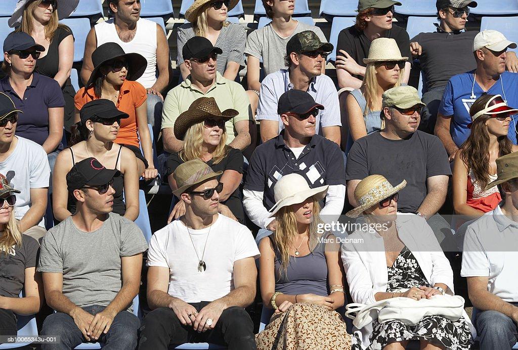 Spectators in crowd : Foto stock