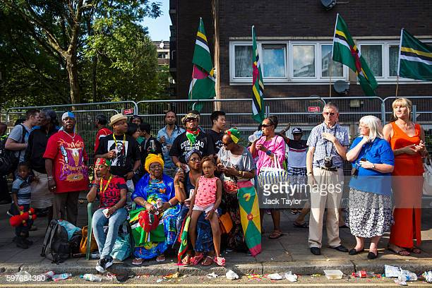 Spectators line the street to watch the parade at Notting Hill Carnival on August 29 2016 in London England The Notting Hill Carnival which has taken...