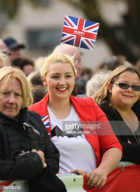 Spectators on hand to meet the Royals during the countdown to the 2015 ICC Cricket World Cup at Latimer Square on April 14 2014 in Christchurch New...
