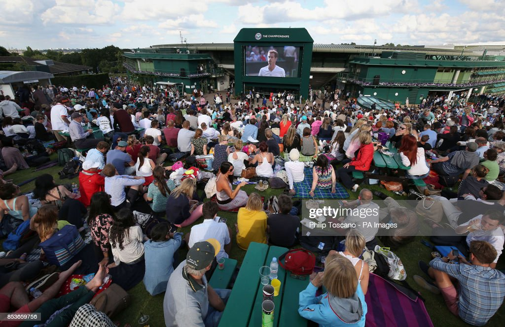 Tennis - 2014 Wimbledon Championships - Day Five - The All England Lawn Tennis and Croquet Club : News Photo