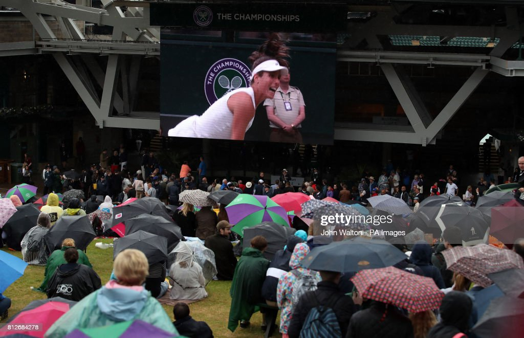 Wimbledon 2017 - Day Eight - The All England Lawn Tennis and Croquet Club : News Photo
