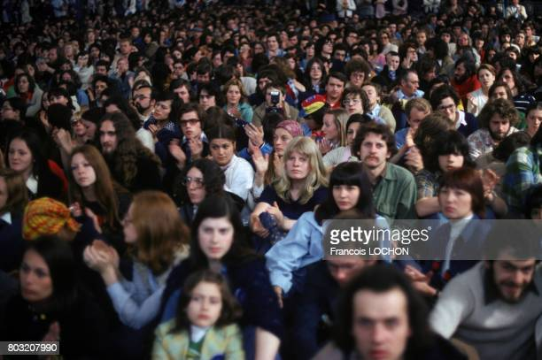 Spectators waiting for a performance at the Avignon Theatre Festival in July 1977 in Avignon France