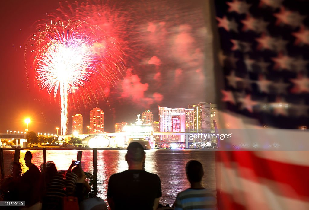 Miami Celebrates The Fourth Of July With Fireworks : News Photo