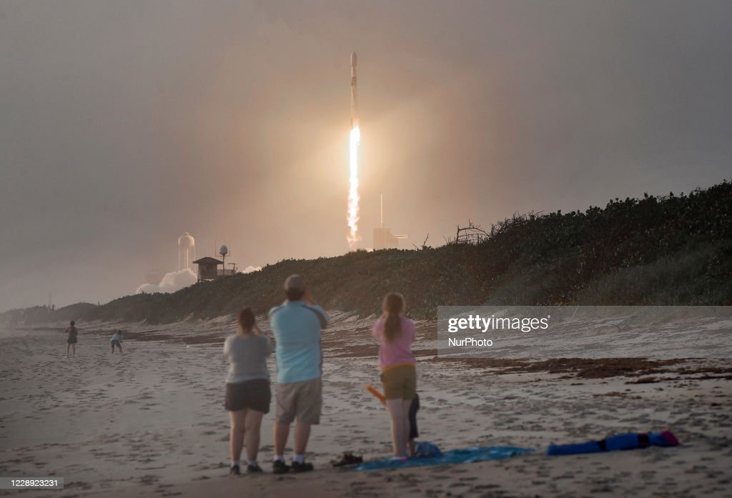 SpaceX Launches Starlink Satellites : News Photo