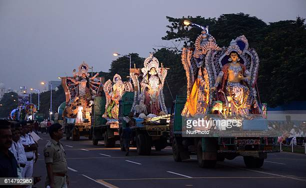 Spectators watching the immersion procession of Hindu goddess Durga idol in Red road in Kolkata India on Friday 14th October 2016