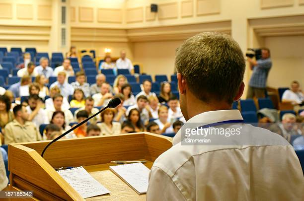 vor publikum sprechen - politik stock-fotos und bilder