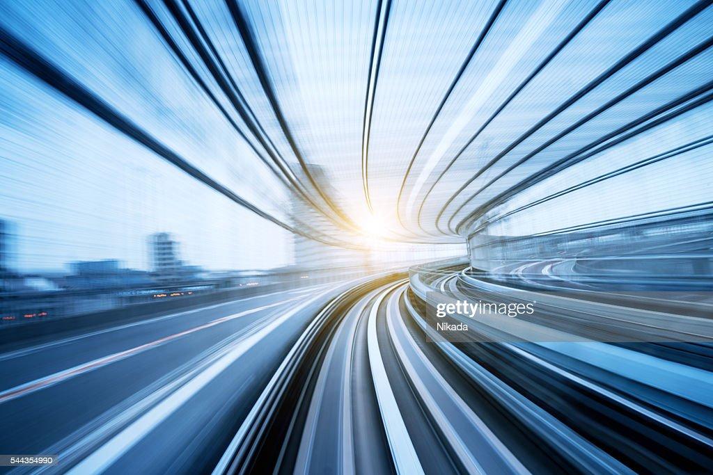 Geschwindigkeit Bewegung durch den tunnel : Stock-Foto