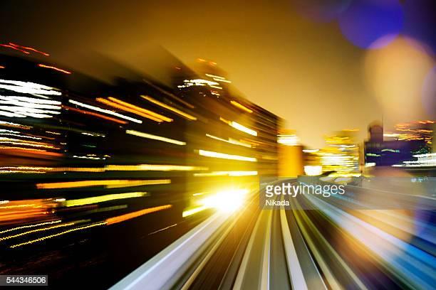De alta velocidad-tren en tokio