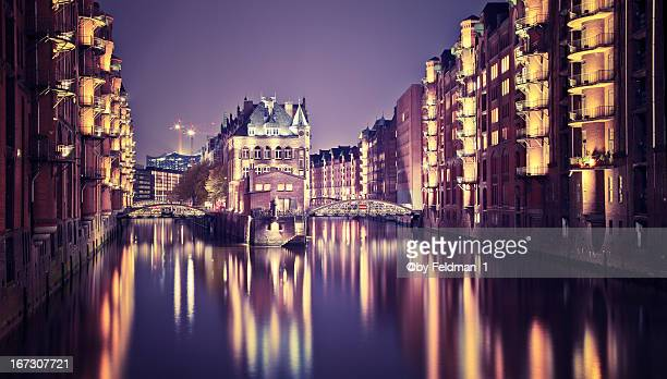 speicher stadt hamburg - stadt stock pictures, royalty-free photos & images