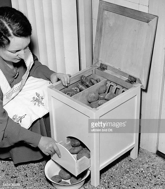 Speisekammer für Gemüse und Kartoffelnim Hocker 1938