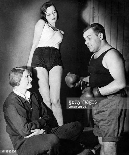Spelmans Hermann Actor Germany* with Mary Metzer and Gina Falkenberg in 'Rost' by V Kirchon and A Ouspensky Photographer Curt Ullmann Published by...
