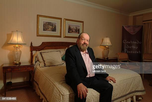 Spencer, Bud *-Schauspieler, Italien- Portrait in einem Zimmer im Berliner Hotel Four Seasons- Bart Vollbart