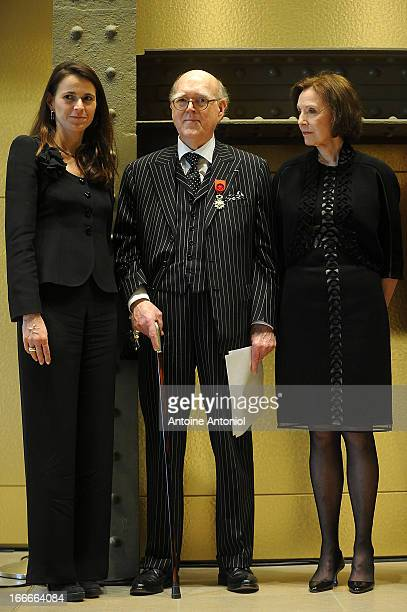 Spencer Hays and his wife Marlene pose after being awarded Officier de l'Ordre de la Legion d'Honneur by French Culture Minister Aurelie Filippetti...