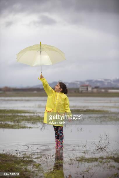 Passer du temps sous la pluie