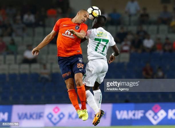 Süper Lig'de 20172018 sezonunun açl maçnda Medipol Baakehir ile Bursaspor 3 stanbul Baakehir Fatih Terim Stad'nda karlat Bir pozisyonda Medipol...