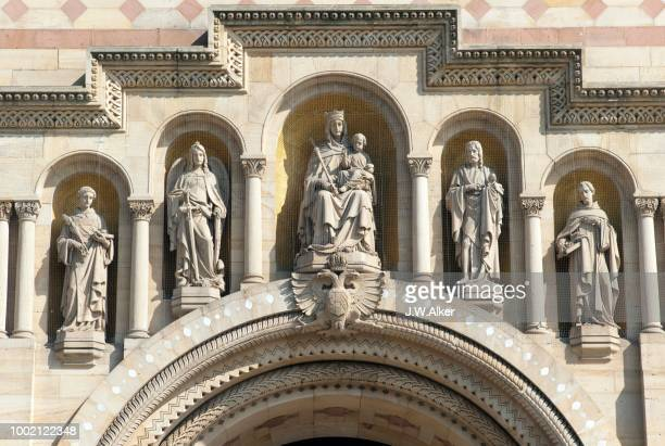 Speyer Cathedral, West Facade, patrons of the cathedral. v.l.n.r. Archangel Michael, John the Baptist, Mary, Stephanus, Bernard of Clairvaux, World Heritage Site, Speyer, Rhineland-Palatinate, Germany.