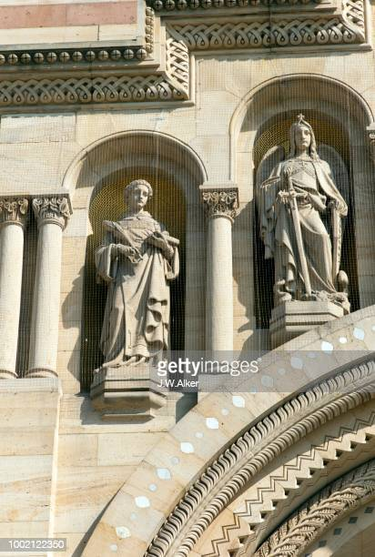 Speyer Cathedral, West Facade, patrons of the cathedral. v.l.n.r. Archangel Michael, John the Baptist, World Heritage Site, Speyer, Rhineland-Palatinate, Germany.