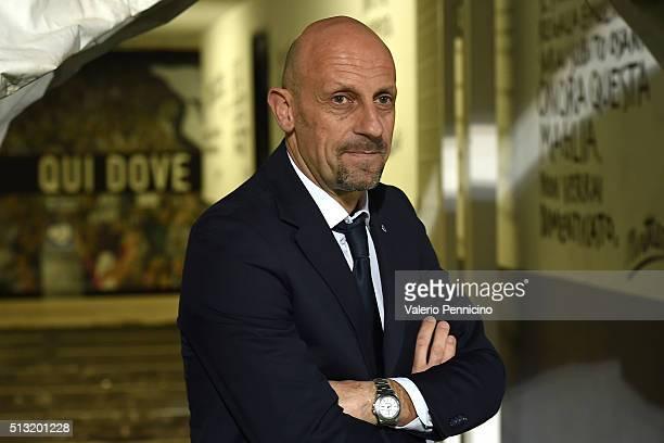 Spezia head coach Domenico Di Carlo looks on prior to the Serie B match between AC Spezia and AC Cesena at Stadio Alberto Picco on March 1 2016 in La...