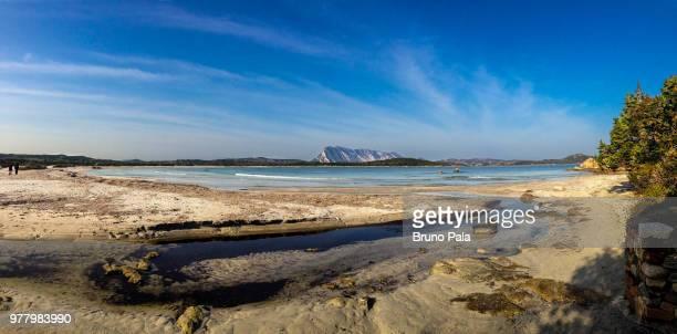 spiaggia lu impostu puntaldia, san teodoro. sardegna - sardinia - san bruno stock pictures, royalty-free photos & images