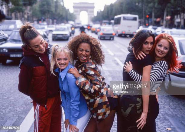 Spice Girls portrait in the street in Paris France 1996 LR Mel C Emma Bunton Mel B Victoria Adams Geri Halliwell