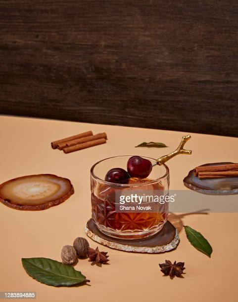 spiced seasonal cocktail ingrediants - season stock pictures, royalty-free photos & images