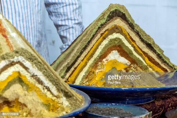 spices in vakil bazaar, shiraz, iran - shiraz fotografías e imágenes de stock