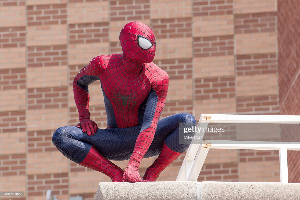 """The Amazing Spider-Man 2"" Be Amazing Day Volunteer Day : News Photo"